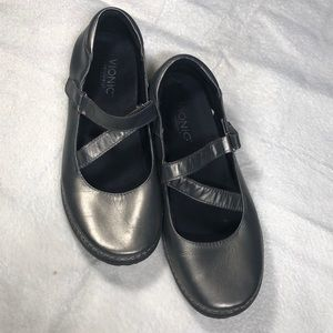 Vionic Judith Pewter Color Mary Janes Size 9  SB20